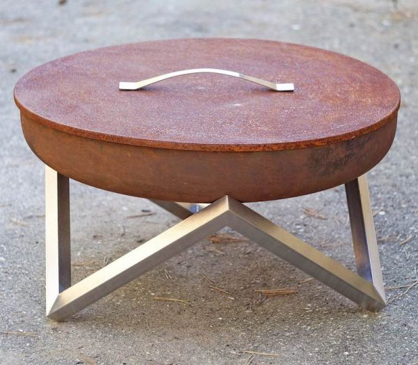 Rusted steel lid for 63cm diameter fire pit