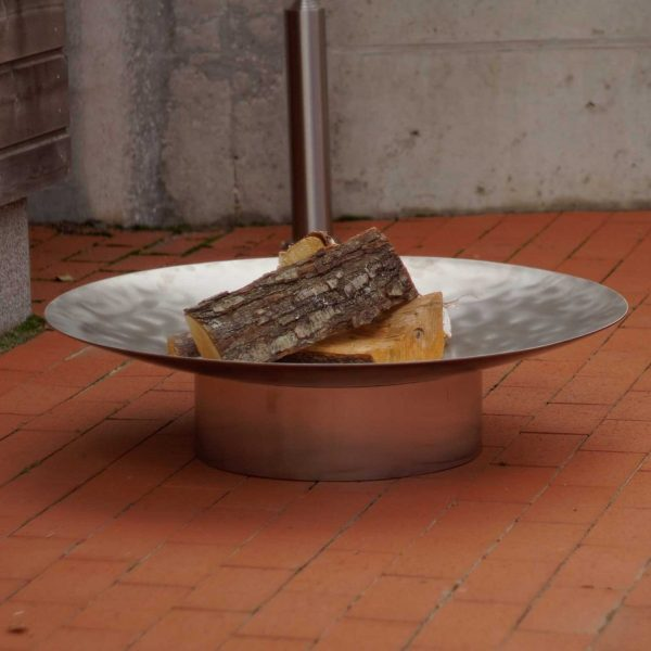 Hestia stainless steel fire pit can be ordered with removable 63cm diameter barbecue grill and its holder.